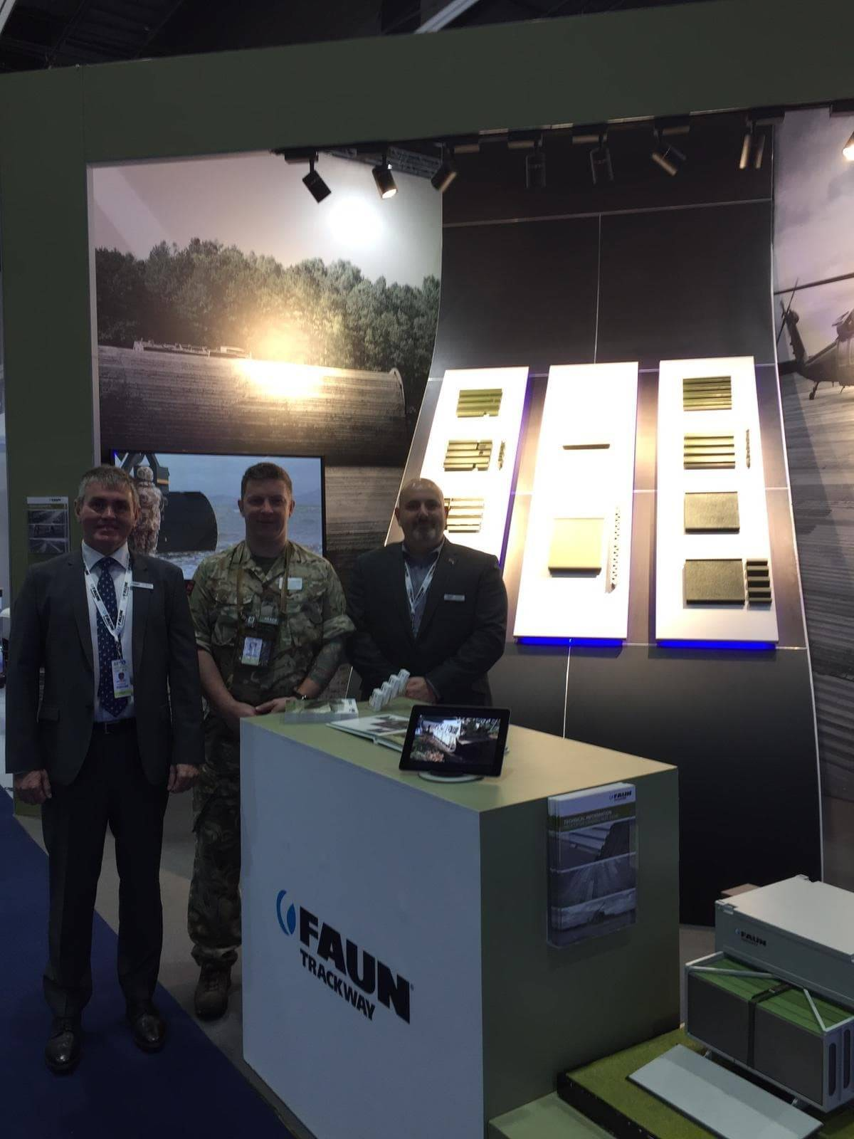 Our CEO and our Product Support Engineer were visited on stand at IDEX by W02 (MPF) James Collins from the Department of International Trade.